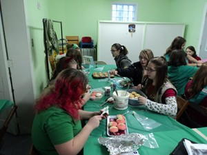 Girl Scouts Decorating
