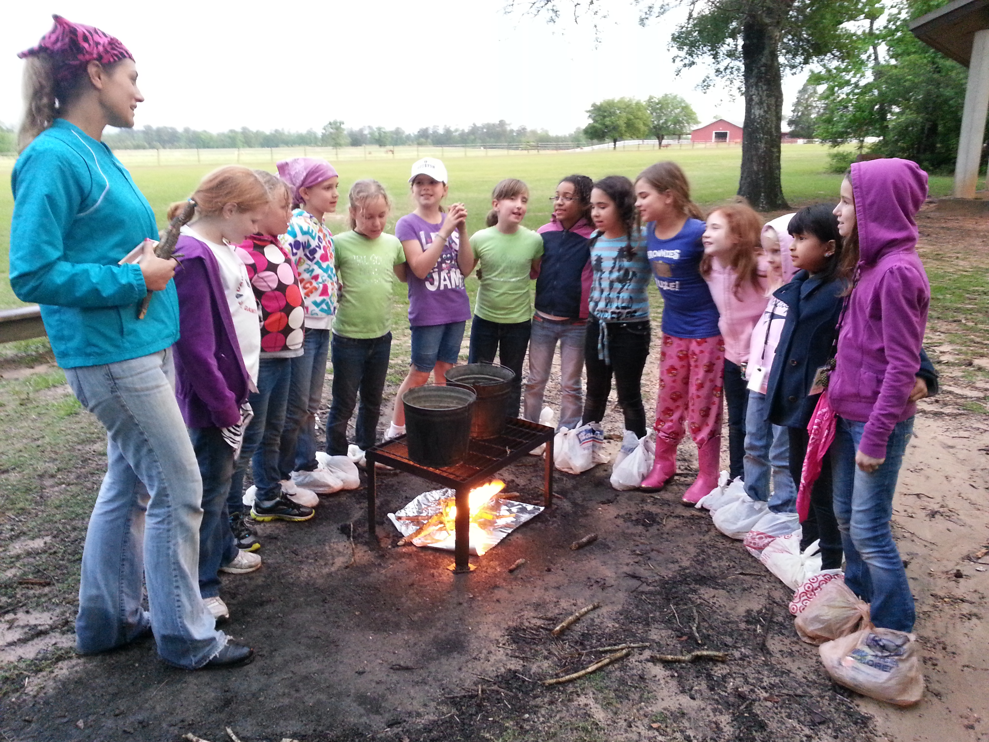 How Much Does It Cost To Transport A Car >> Celebrating Community Brownie Badge While Camping - Scout Leader 411 Blog