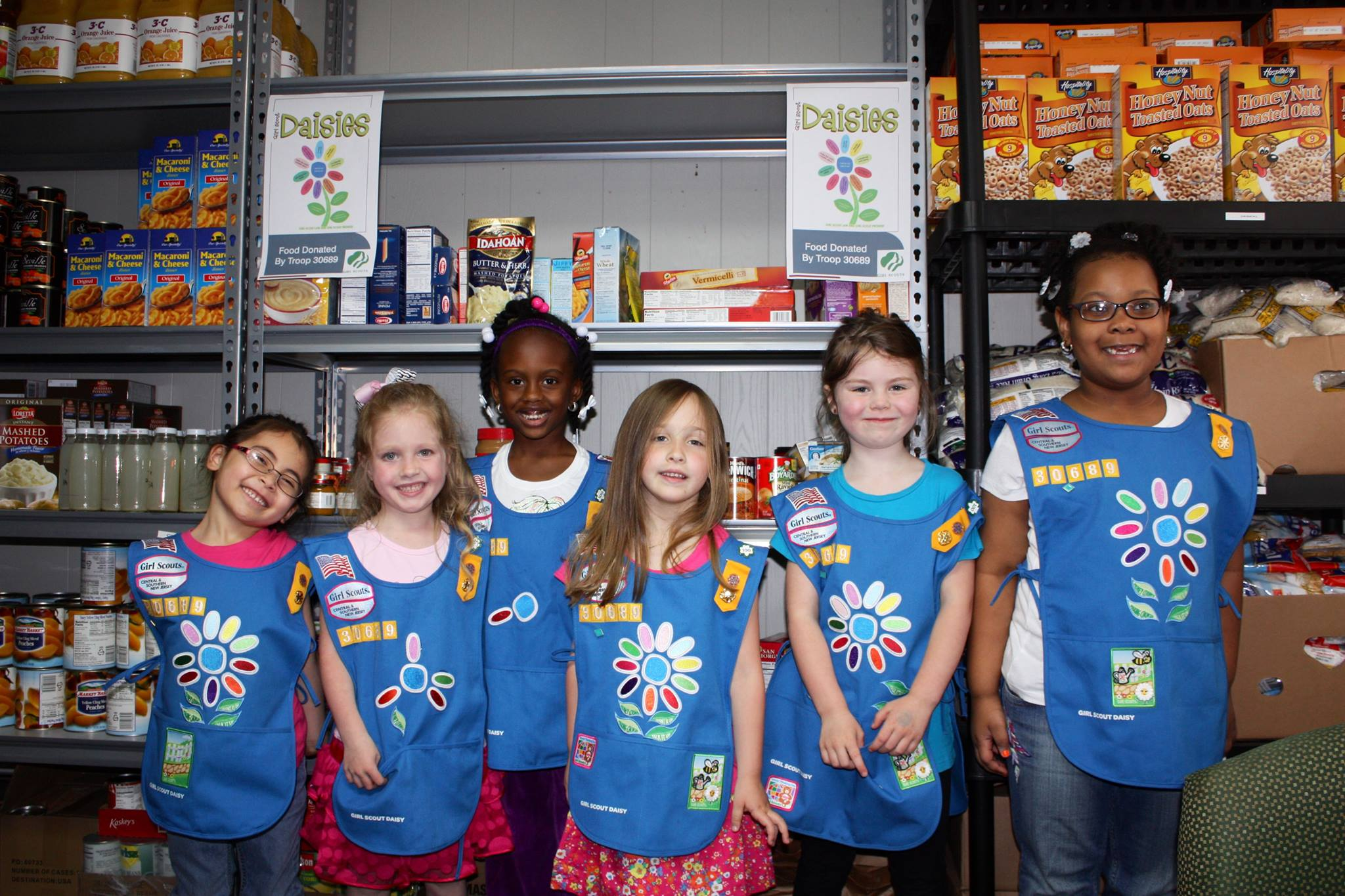 scout leader 411 blog daisy scouts give back to
