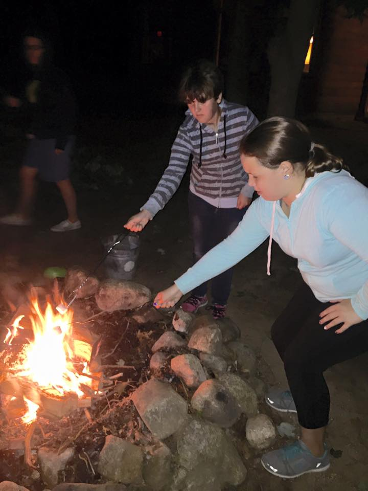 Scout Camping 11426267_10204759098474351_8224546701220167310_n