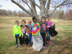 Junior Girls camp at the zoo to earn the Animal Habitats badge  blog animal habitat trash pick up