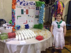 mexico-world-thinking-day-2016-tissue-flowers