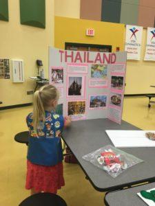 thailand-world-thinking-day-2016-troop-113