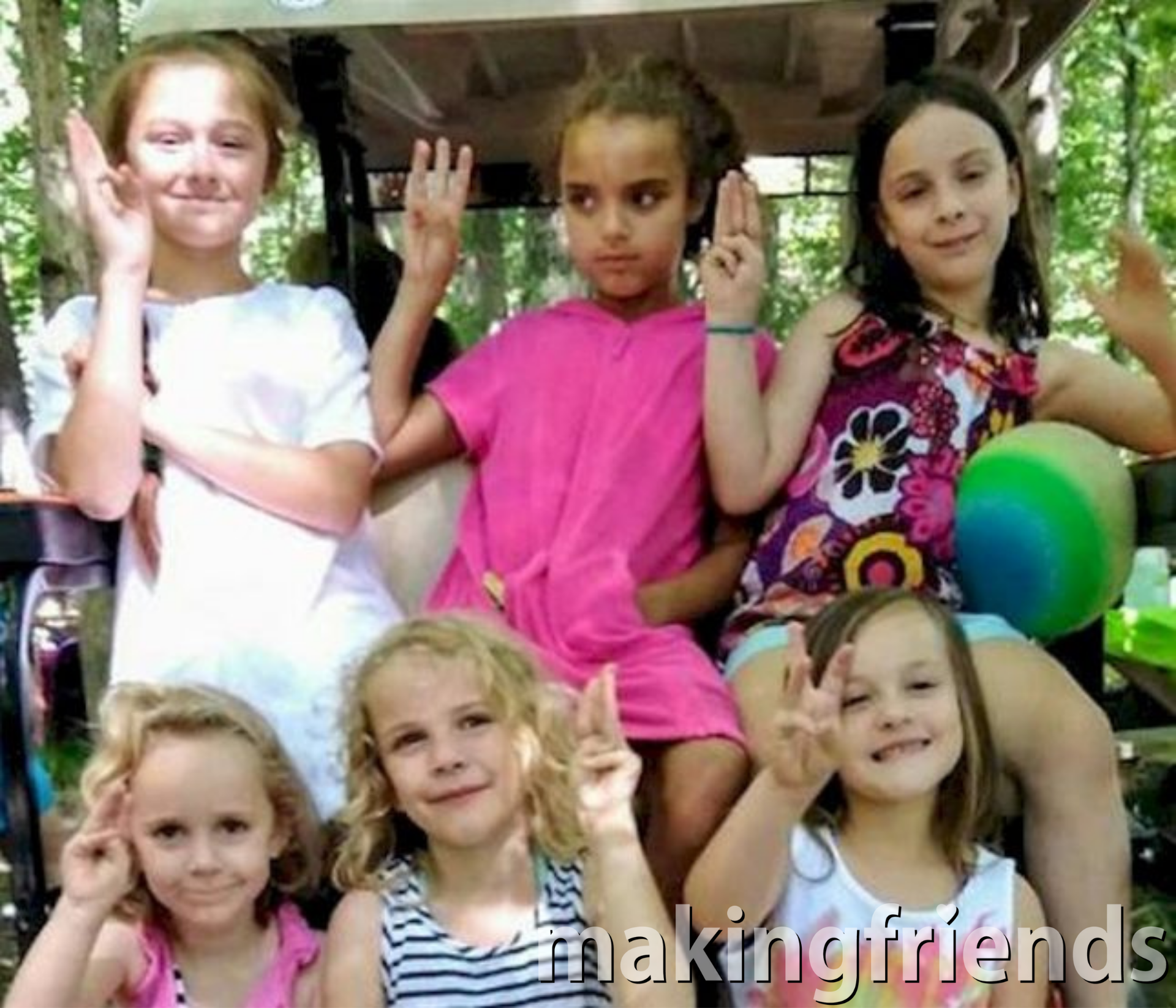 Get your newtroop started for a successful year by learning the Promise with fun crafts and activities from MakingFriends®.com. #makingfriends #gspromise via @gsleader411