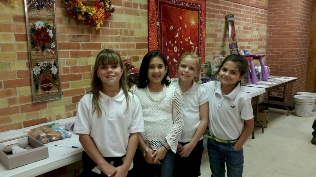 Girl Scouts Food Pantry Volunteers