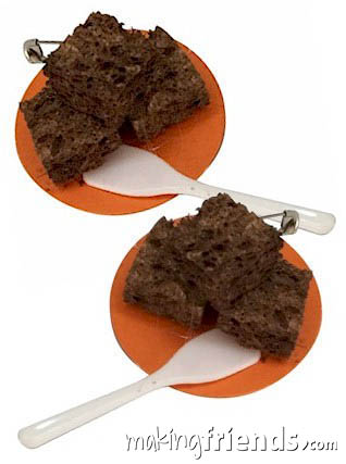 Brownie with Spatula Girl Scout Friendship SWAP Kit via @gsleader411