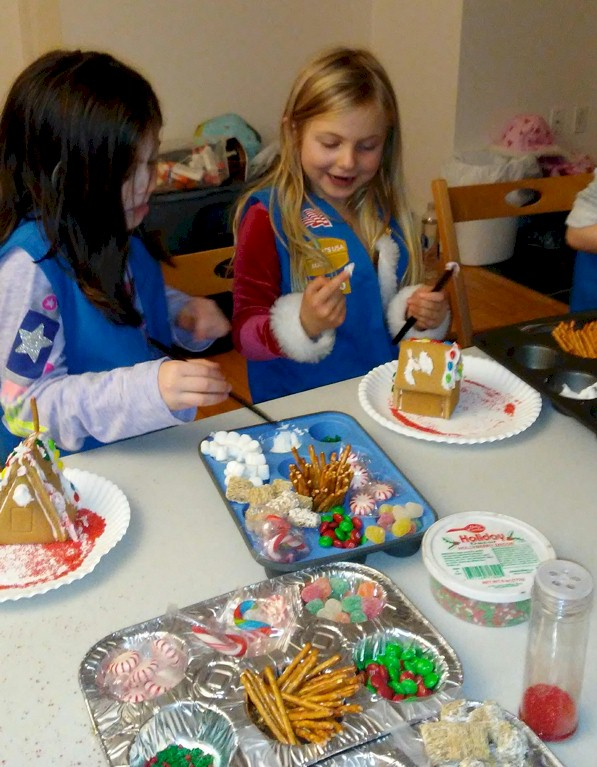 Daisy Girl Scouts Gingerbread Houses