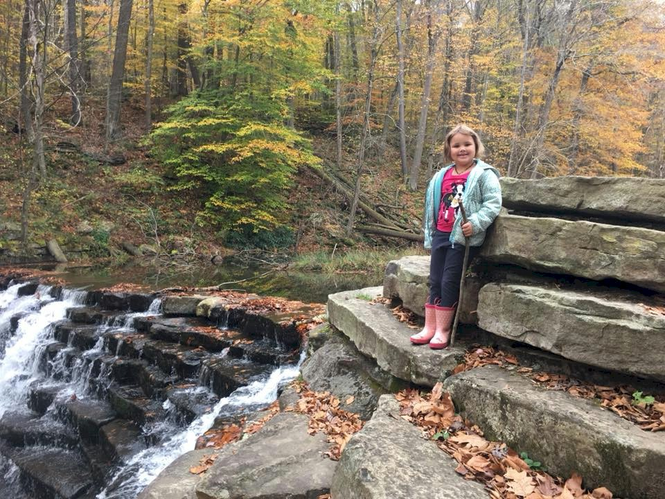 Daisy Girl Scouts leave no trace.