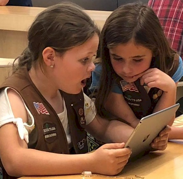 Brownie Girl Scouts Programming Robots