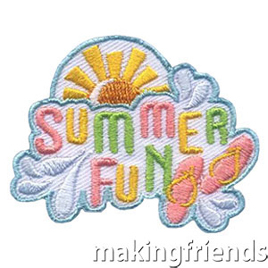 Plan a fun get together with your girls over the summer to help your troop or service unit stay connected while school is out. This bright Summer patch from MakingFriends®.com is sure to please! #makingfriends #mf #summerfun #summer #patches via @gsleader411