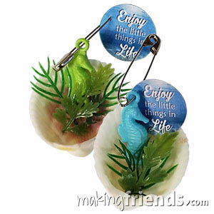 Seahorse Friendship Swap Kit. Enjoy the little things in life like making these charming seahorse swaps. Kit makes 24 and is available at MakingFriends®.com. via @gsleader411