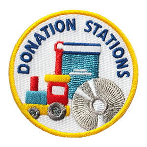 """The Donation Stations Service Patch is from the Youth Squad Community Patch Program®. MakingFriends®.com partnered with Youth Squad to bring you a rewarding community service program with step-by-step instructions for every age level to make a meaningful impact in their community. This is one of our """"Friend"""" level patches which is geared toward younger achievers and usually include supply drives, clean ups or other actions that assist volunteers or organizations with a specific project.  via @gsleader411"""
