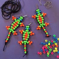 Make beaded geckos to donate
